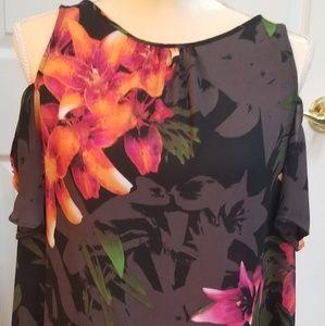 Worthington black floral cold shld Med blouse